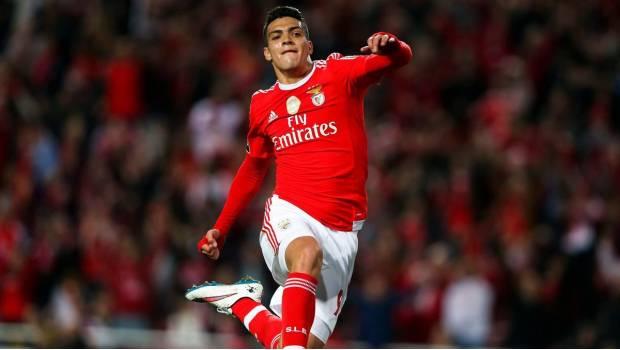MEXICANOS EN EUROPA: El gol de Raul Jimenez en goleada de Benfica
