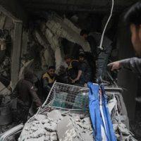 Bombardeo en Guta Oriental deja más de 500 civiles muertos entre escombros y cenizas