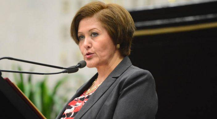 Eva Cadena,