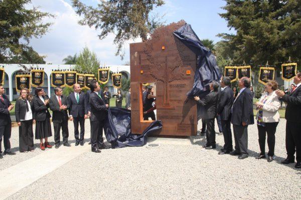 Inauguran la Plaza Nicolaita del Arte y la Cultura en Universidad Michoacana