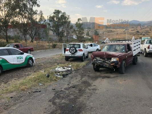 Dejan daños materiales tres accidentes viales en Morelia