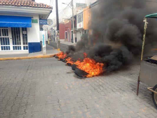Detiene Fiscalía a dos policías de Ocotlán