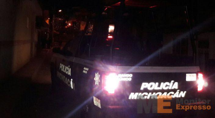 Ultiman a balazos a masculino afuera de una residencia en Apatzingán