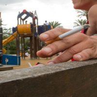 Diputados michoacanos prohíben fumar en parques infantiles