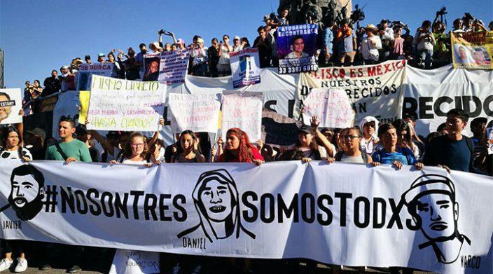 """""""Las tragedias no se cierran por decreto"""", reclaman; protestan miles en GDL por desaparecidxs"""