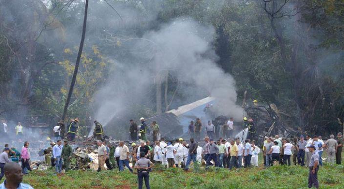 Se estrella avión en Cuba, hay más de 100 fallecidos (Imágenes)