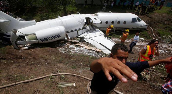 Se estrella avión en Honduras, hay al menos seis estadounidenses heridos
