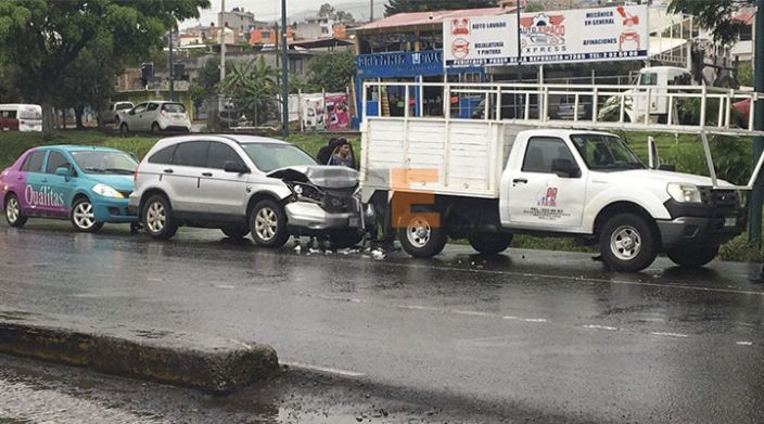 Se registran dos accidentes viales en la periferia de Morelia, Michoacán