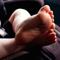 Bebé muere tras pasar ocho horas dentro de un automóvil con casi 32°C en Miami
