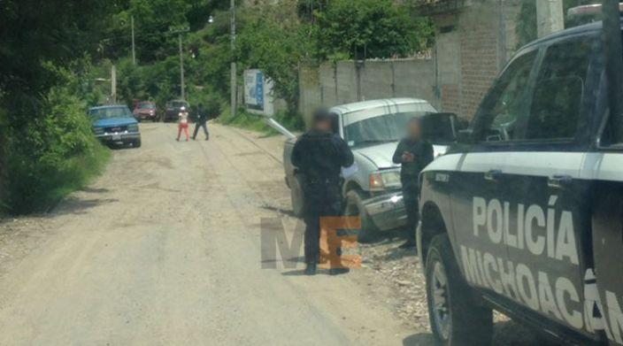 En Huetamo, hombre ataca con machete a policía; es herido de un balazo y fallece