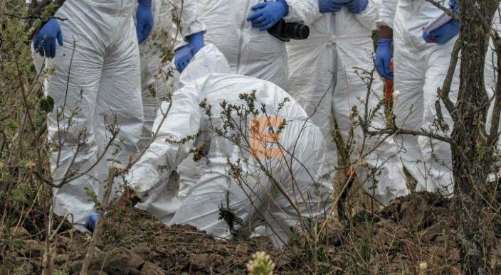 Localizan restos humanos en una fosa clandestina en Copándaro