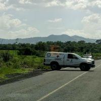 Localizan cadáver de una mujer junto a la carretera Morelia-Joyitas