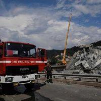 Derrumbe en Italia cobra la vida de más de 43 personas