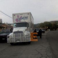 Recuperan camión robado en la carretera Morelia-Salamanca