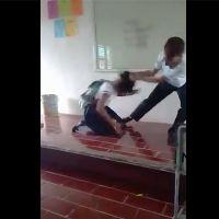 Indigna en redes el video de un joven que golpea a su compañera en escuela de Quintana Roo