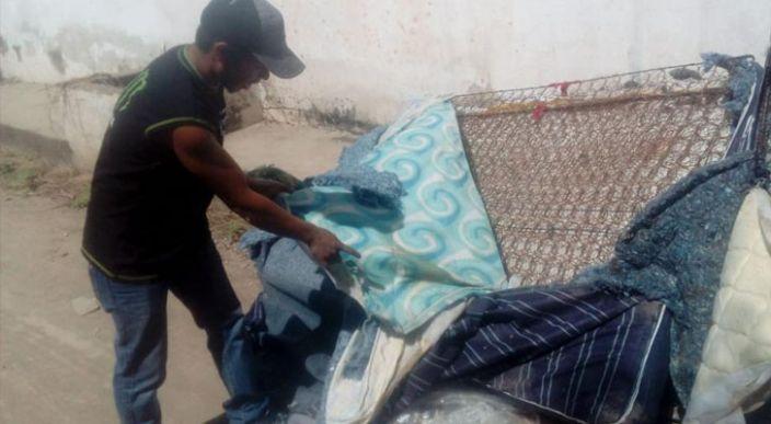 Gobierno de Sinaloa y Culiacán entregaron colchones reciclados a damnificados: denuncias (Video)