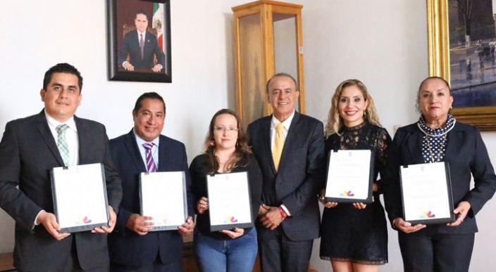 Nombra Gobernador de Michoacán a seis nuevos titulares de dependencias