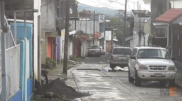 Asesinan a un hombre en la colonia Francisco J. Múgica en Uruapan, Michoacán
