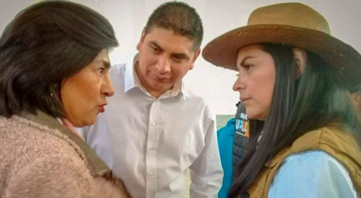Araceli Saucedo pone en marcha construcción de segunda etapa del auditorio en Ziracuaretiro