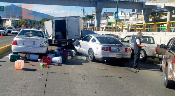 Chocan cuatro vehículos en el Libramiento Oriente de Morelia, Michoacán
