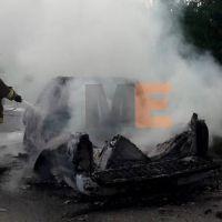 Camioneta se incendia en Apatzingán, Michoacán por una aparente falla mecánica