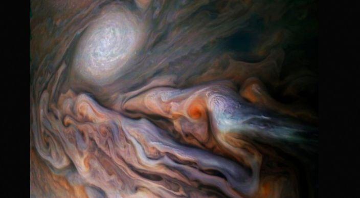 Fotografía tomada por la NASA muestra las tormentas y vientos de Jupiter