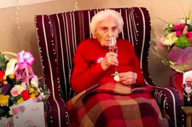 Brenda Osborne mujer de 105 años
