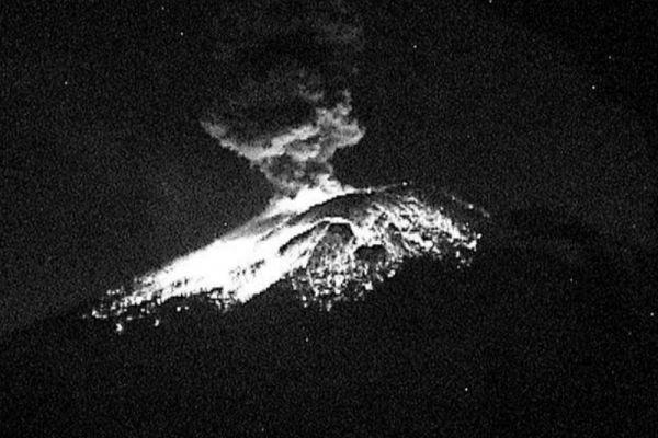 Informan de explosiones en el Volcán Popocatépetl; alerta amarilla fase 2