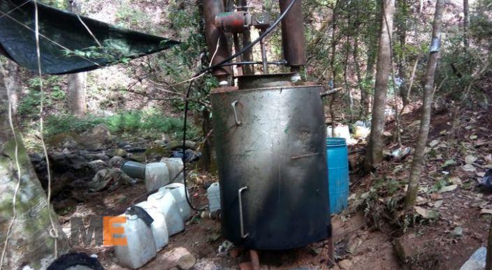Desmantelan narcolaboratorio en Coalcomán
