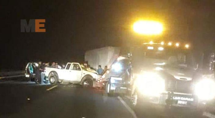 Chocan de frente dos vehículos en la Autopista Siglo XXI, hay un muerto y dos heridos