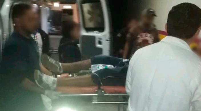 Atacan a balazos a un hombre en el centro de Jacona, Michoacán