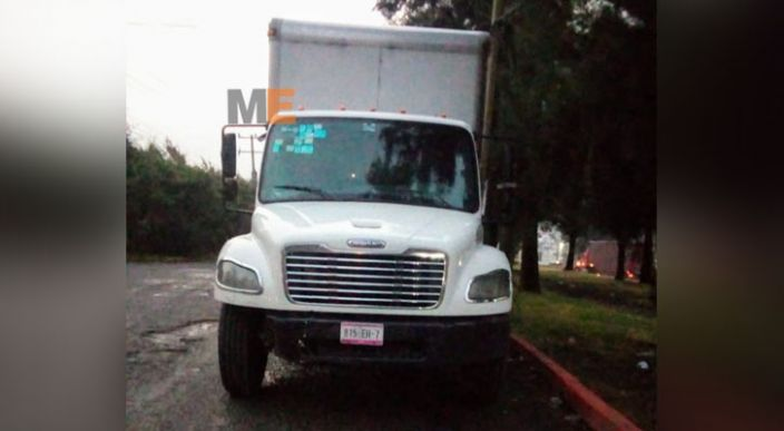 En Morelia recuperan camión que fue robado