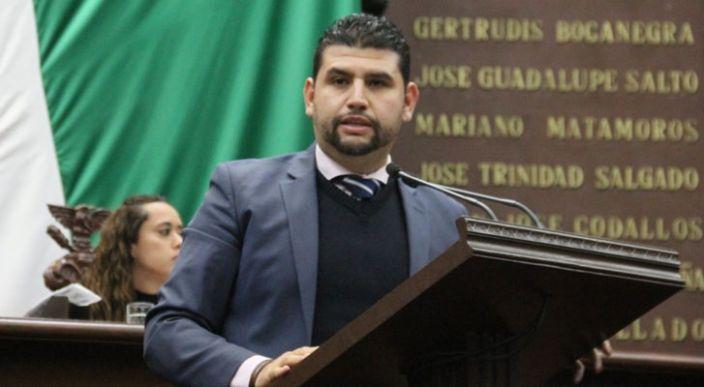 Estímulo fiscal del 100% a impuestos cedulares y jurídicos, fortalecerá economía, ante crisis por desabasto de gasolina: Octavio Ocampo