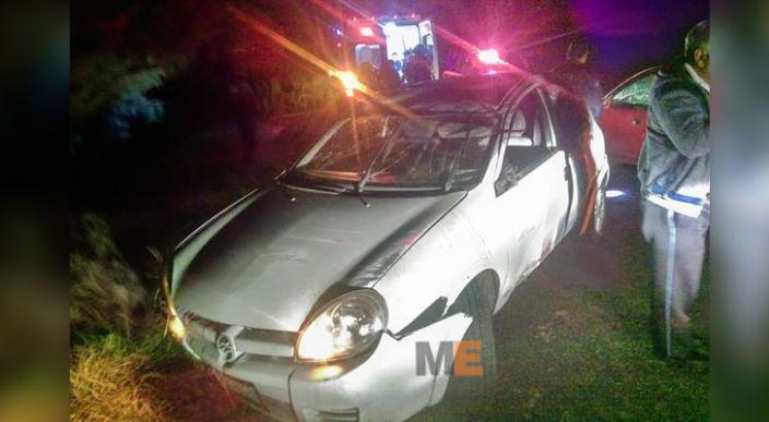 Vuelca auto en la carretera Zinapécuaro – Ciudad Hidalgo, se reportan cuatro heridos