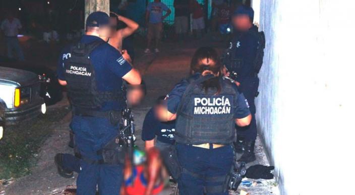 Ante un Juez cuatro policías de Lázaro Cárdenas por lesiones y alterar una escena del crimen