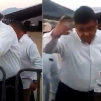 Secretario de Seguridad retira a ciudadanos en evento presidencial de AMLO en Huetamo, Michoacán
