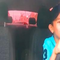 Niño conduce un Uber en Sinaloa y molesta a muchos (Video)