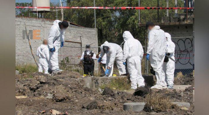 Encuentran un cadáver semienterrado en la colonia Valle de Los Manantiales, en Morelia
