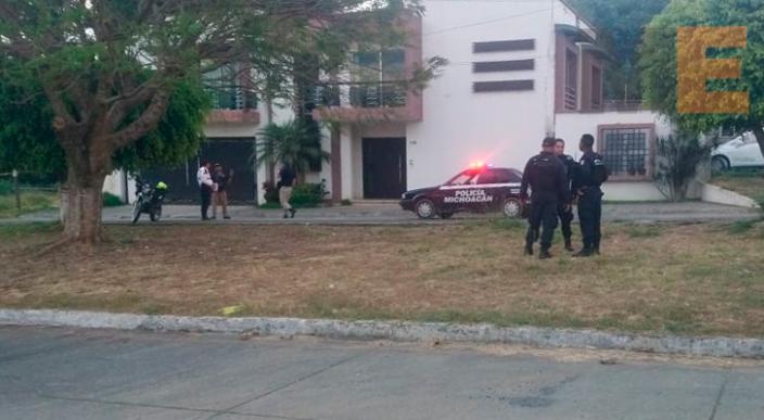 Encuentran el cadáver encobijado de un hombre en Uruapan, Michoacán