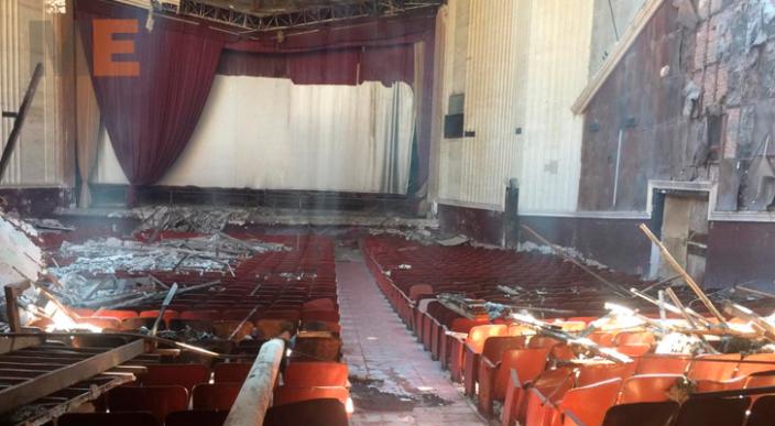 Incendian a propósito el antiguo Cine Purépecha en Apatzingán, Michoacán