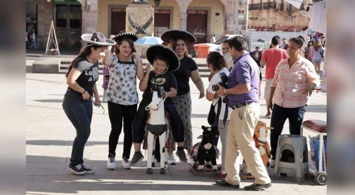 Continúa la gran afluencia de turistas nacionales y extranjeros en Morelia