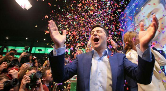 El comediante Volodymyr Zelenskiy gana elección presidencial en Ucrania