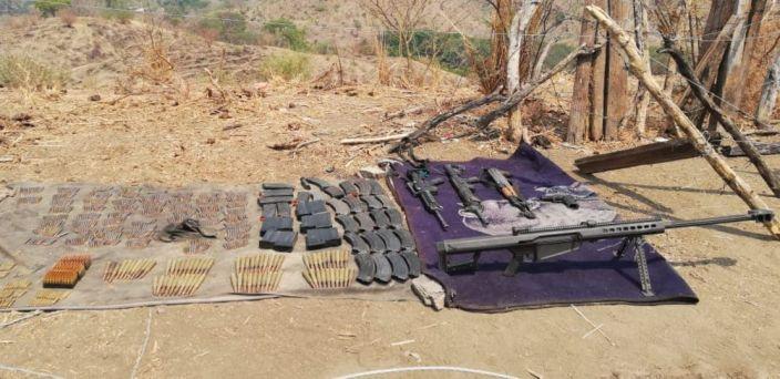 #Aguililla Militares encuentran armas ocultas entre la maleza