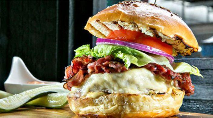 """Restaurante en NY lanza la hamburguesa de """"El Chapo"""""""