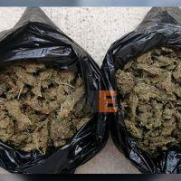 Detiene SSP a dos con bolsas llenas de marihuana