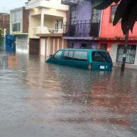 Lluvias en Morelia provocan inundaciones y una vivienda colapsada en el centro histórico