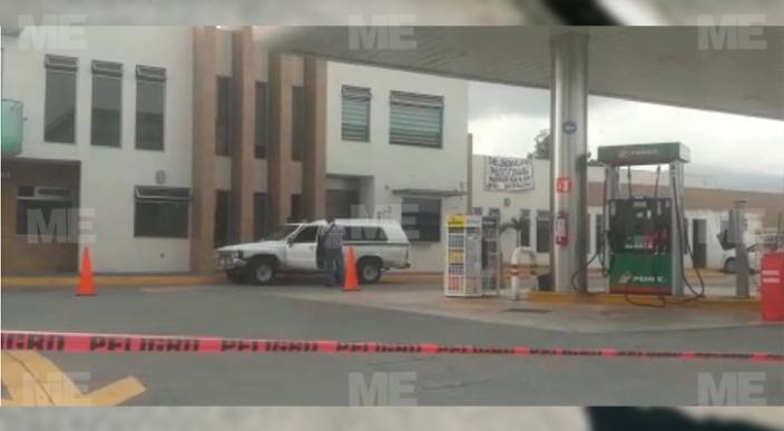 Ejecutan a un hombre en camioneta a balazos tras ser perseguido