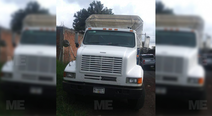 recuperan camión y 6 toneladas de aguacate robado en Uruapan