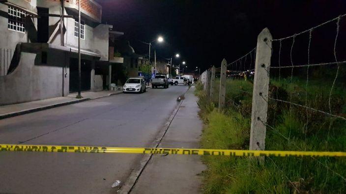 Encuentran el cadáver de un hombre descuartizado y embolsado al sur de Morelia