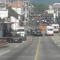 """Chofer discapacitado se """"brinca"""" cerco de seguridad y atropella y mata a una mujer en Uruapan"""